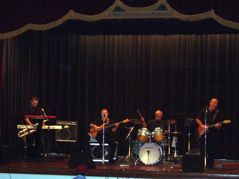 BAND AID CONCERT 04/23/2011